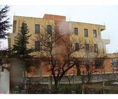 Продавам 4 етажна къща в град Варна кв. Галата